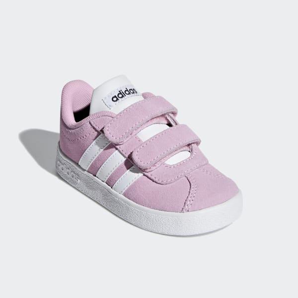 adidas met roze neus