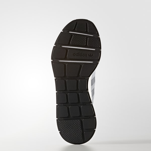 Tênis Swift Run - Cinza adidas  2d0e79f18dd44