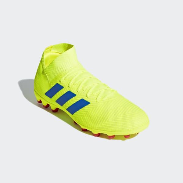Bota de fútbol Nemeziz 18.3 césped artificial