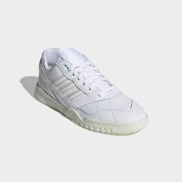 adidas A.R. Trainer Shoes Bialy | adidas Poland
