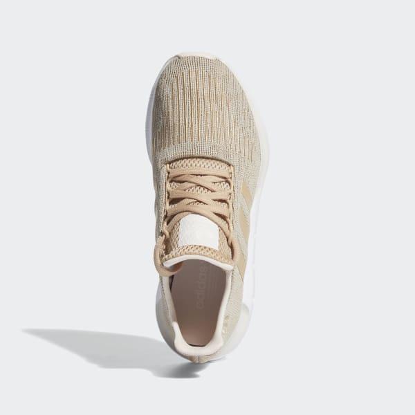 Moviente lanzamiento santo  Women's Swift Run Pale Nude Shoes | adidas US