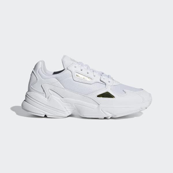 adidas originals falcon sneaker in weiß-bunt