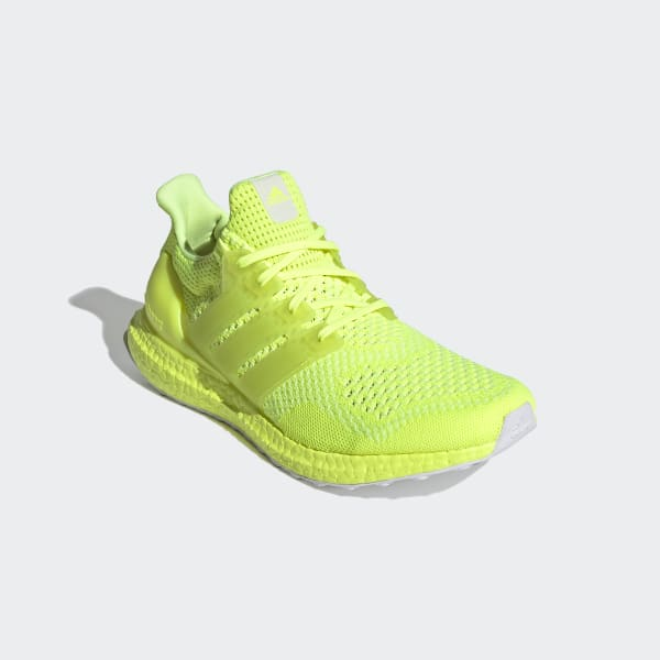[Image: Ultraboost_1.0_DNA_Shoes_Yellow_FX7977.jpg]
