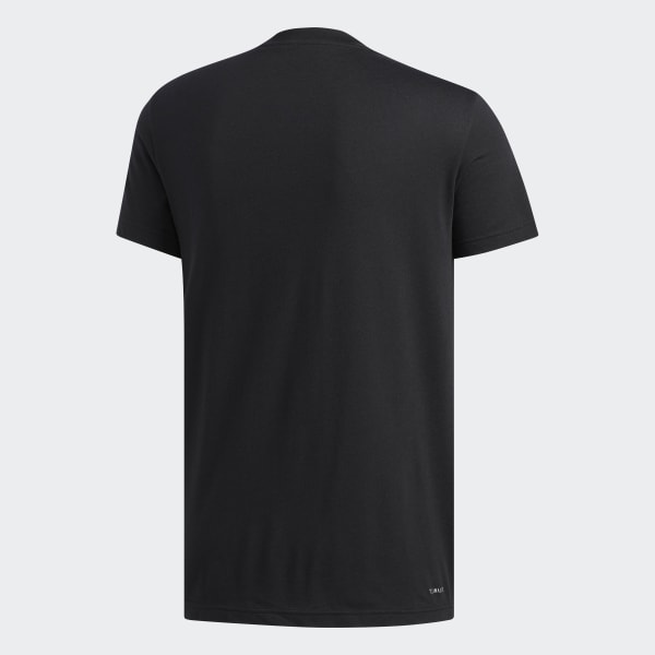 Camiseta com Badge of Sports Preenchido - Preto adidas  3b55becff2e9d