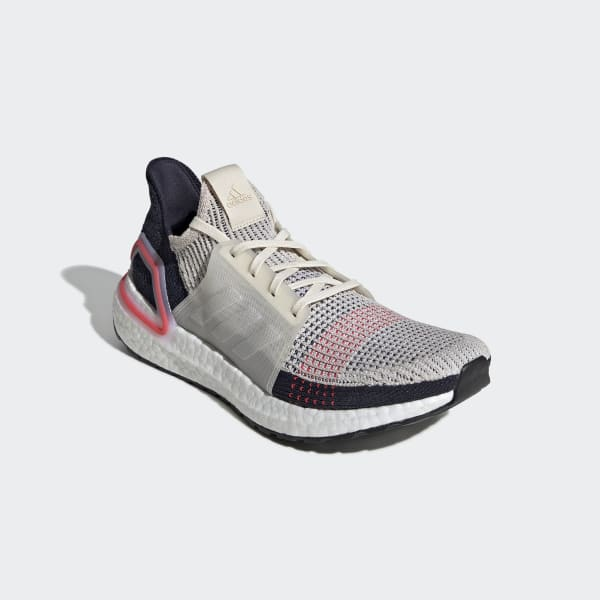 low priced 67a0c 065bf Zapatilla Ultraboost 19