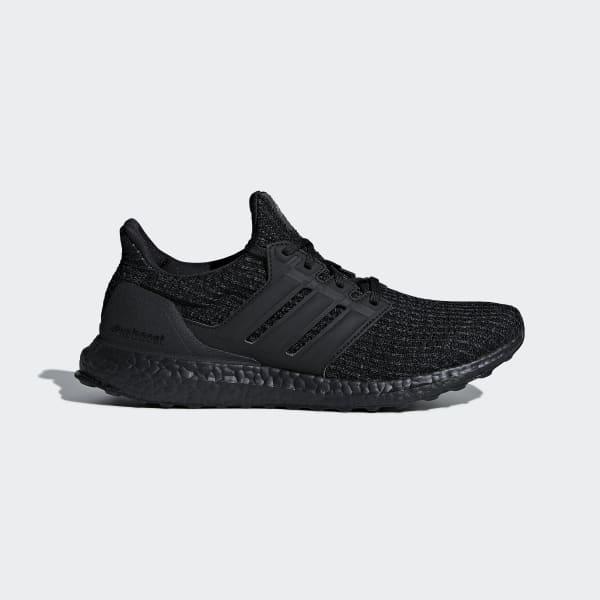 chaussure adidas boost avec des rectangles noires