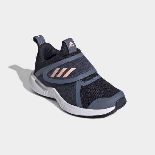 รองเท้า FortaRun X CF