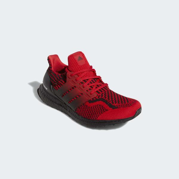 [Imagen: Ultraboost_5.0_DNA_Shoes_Red_H01014.jpg]