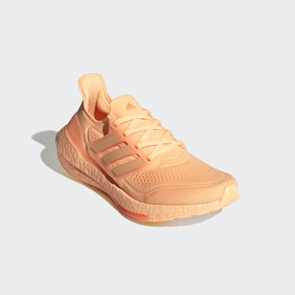https://assets.adidas.com/images/w_600,f_auto,q_auto/abfdb529bd6945318612acb000e41f7c_9366/Ultraboost_21_Shoes_Orange_FZ1918.jpg
