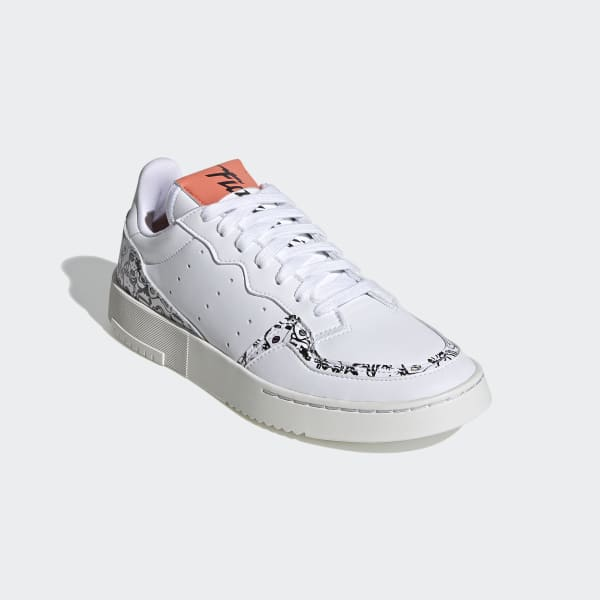 adidas Originals x Fiorucci – Supercourt – Sneaker in Weiß