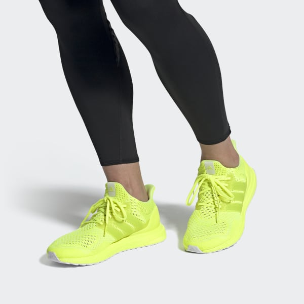Ultraboost_1.0_DNA_Shoes_Yellow_FX7977_010_hover_standard.jpg