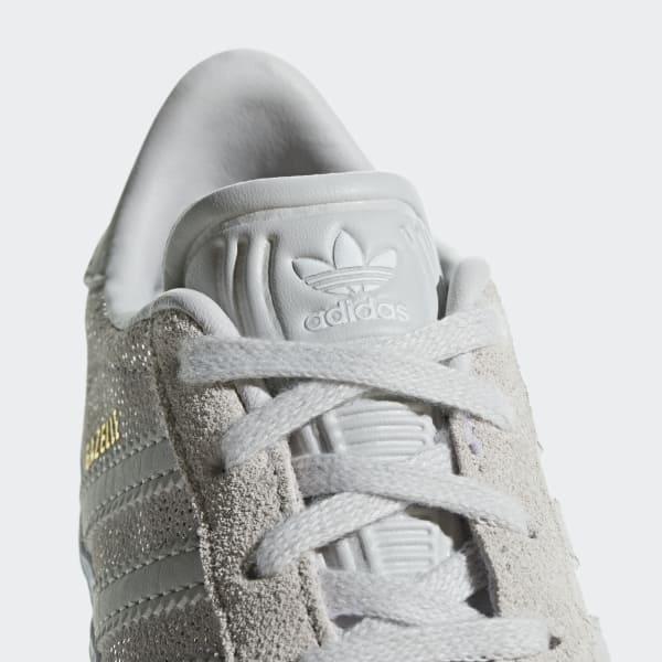 Adidas Mette In Mostra Le Scarpe In Primo Piano Immagine