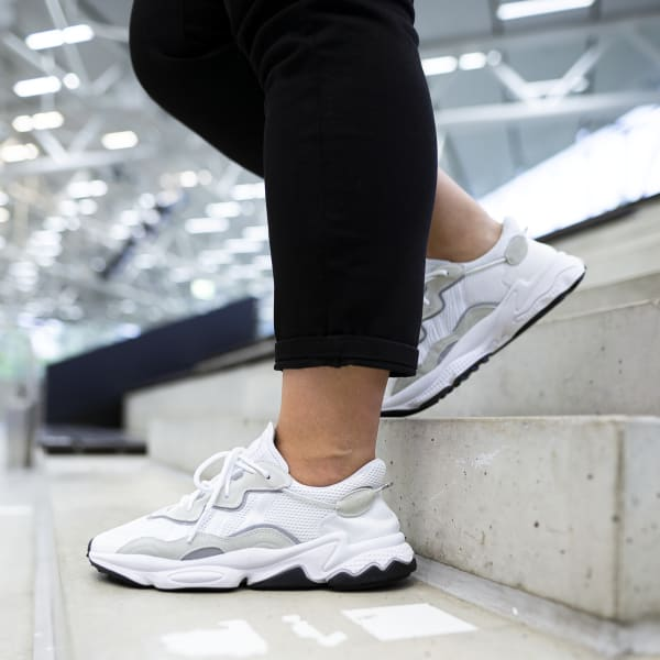Chaussures Ozweego blanches et noires | adidas France