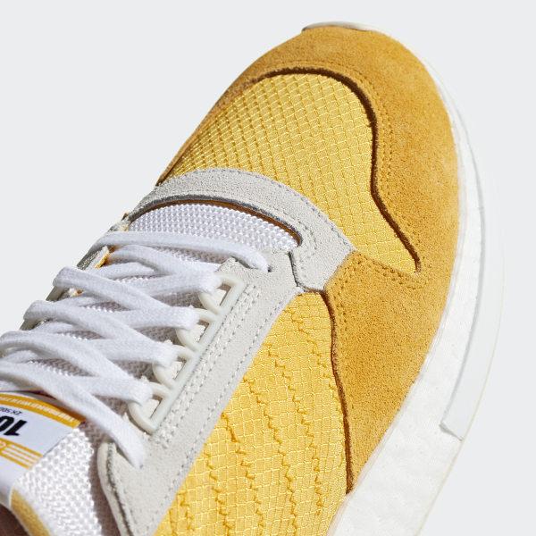 zapatos adidas negro con dorado 500