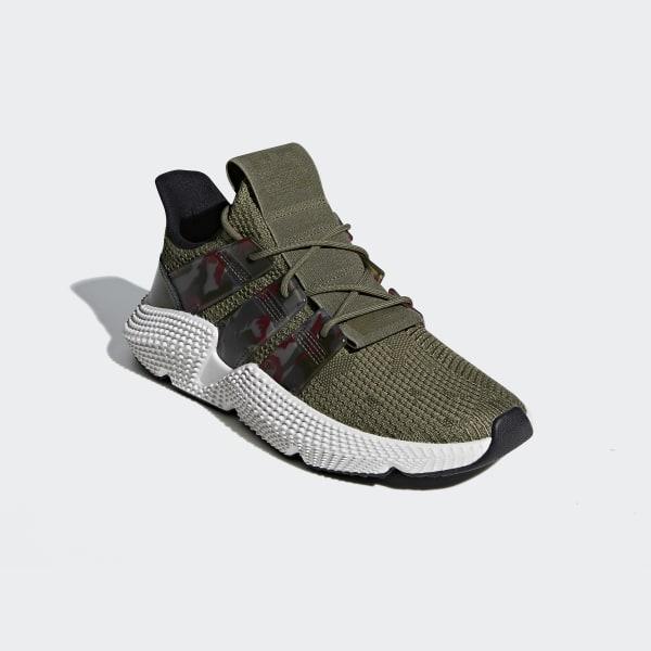 https://assets.adidas.com/images/w_600,f_auto,q_auto:sensitive,fl_lossy/24318b3dc6364598b56aa9770100db28_9366/Tenis_Prophere_Verde_BD7833_04_standard.jpg