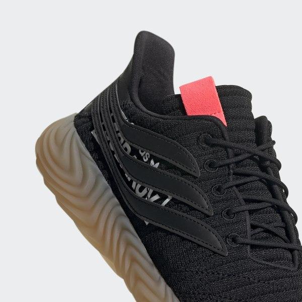 https://assets.adidas.com/images/w_600,f_auto,q_auto:sensitive,fl_lossy/3283702eddaa475eaf76a98500ef9f94_9366/Chaussure_Sobakov_Noir_BB7040_42_detail.jpg
