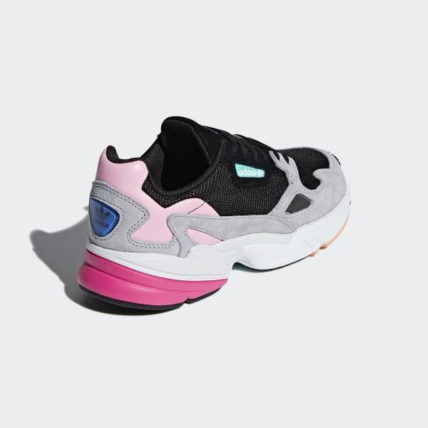 dessous chaussure adidas falcon