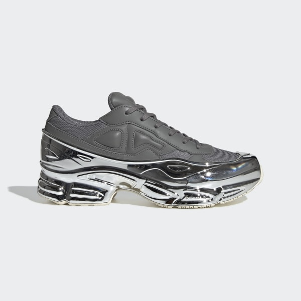 outlet store ff48a a42a7 Chaussure RS Ozweego Ash   Silver Met.   Silver Met. EE7946