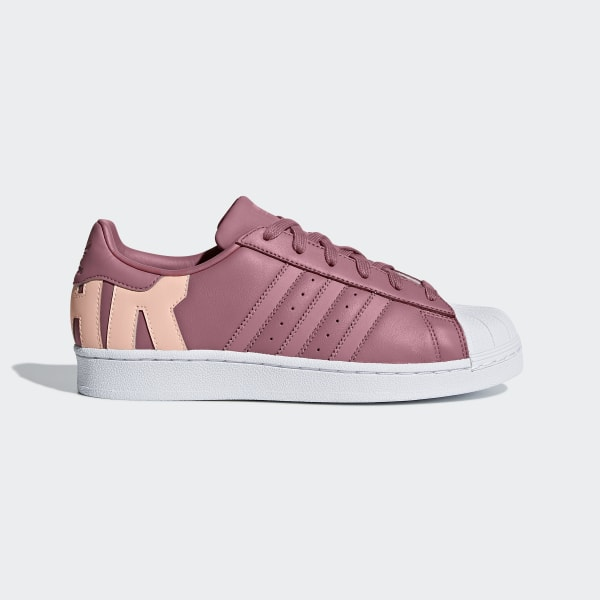 https://assets.adidas.com/images/w_600,h_600,f_auto,q_auto:sensitive,fl_lossy/6718df57b30b42fd90a4a8fc0091f57b_9366/Superstar_Shoes_Burgundy_D96739_01_standard.jpg