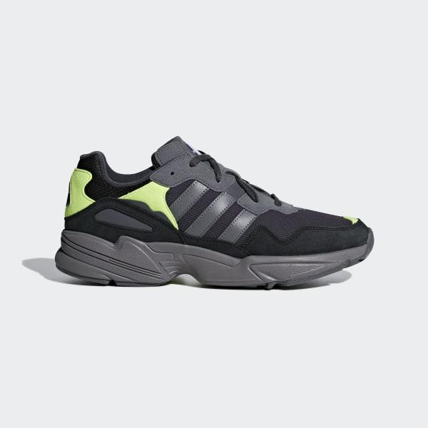 chaussures grise et verte adidas