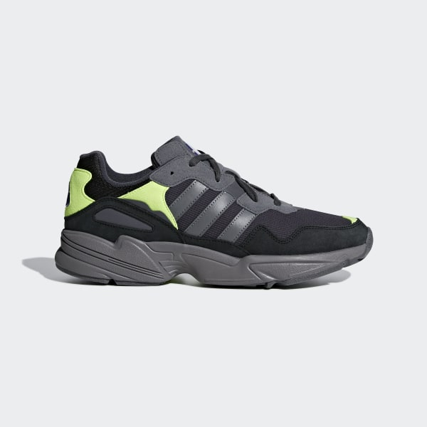 free shipping 904c4 c6012 Chaussure Yung-96 Carbon   Grey Four   Solar Yellow F97180