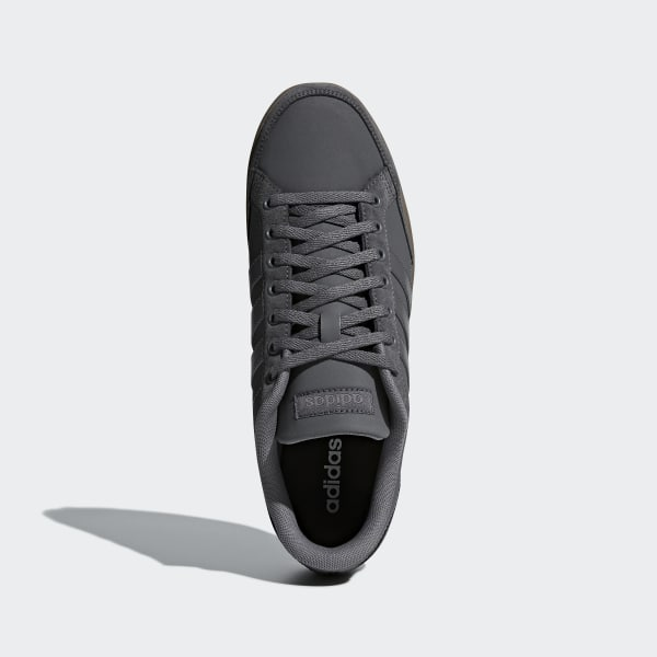 Chaussure Caflaire adidas grise Adidas chaussure et basket