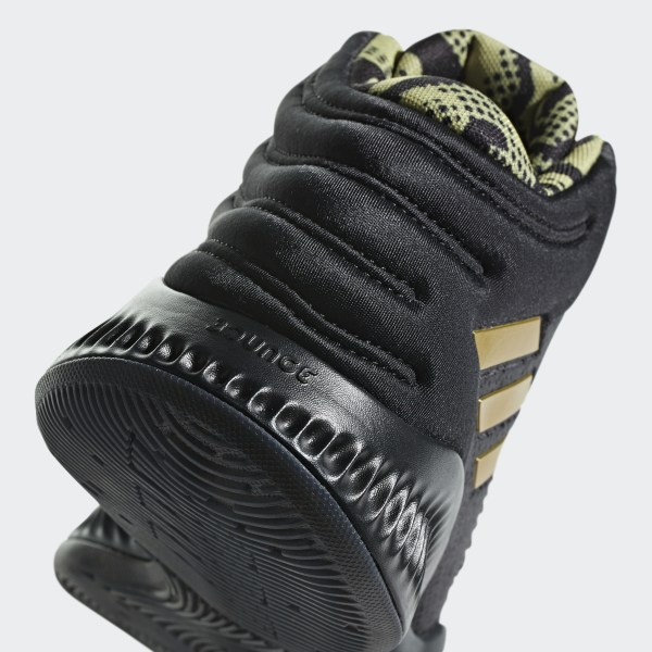 bbd69e09b53 Mad Bounce 2018 Shoes Core Black   Gold Met.   Carbon B41870