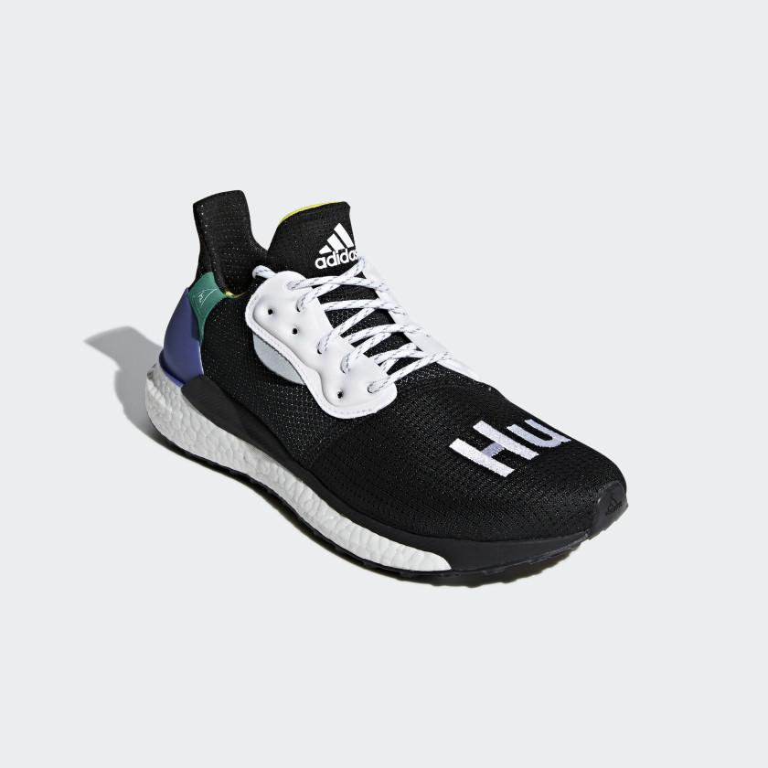 Chaussure Pharrell Williams x adidas Solar Hu Glide