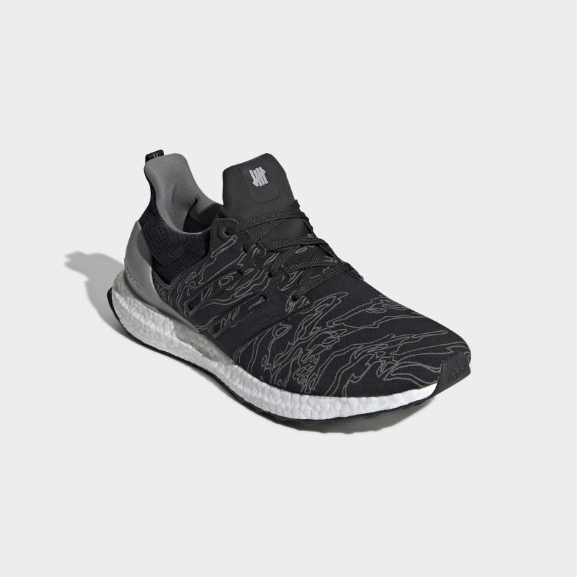 adidas x UNDEFEATED Ultraboost sko