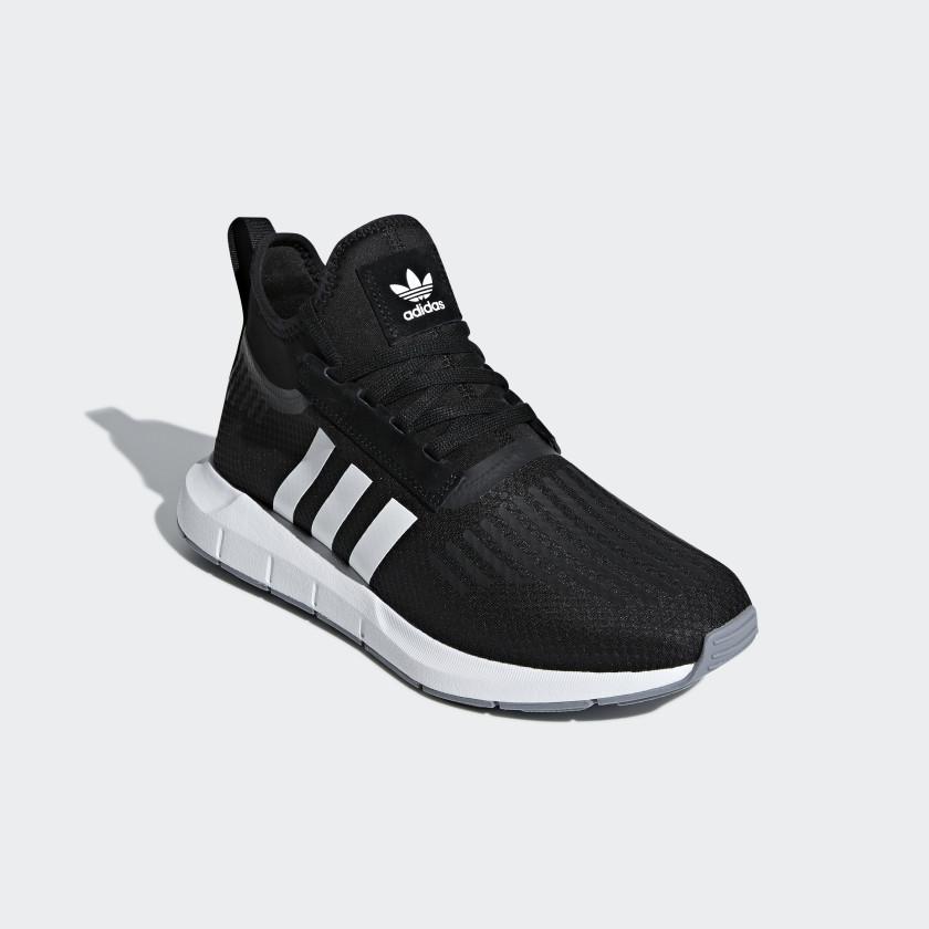 Sapatos Swift Run Barrier