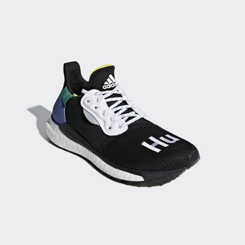 Pharrell Williams x adidas Solar Hu Glide ST Schoenen