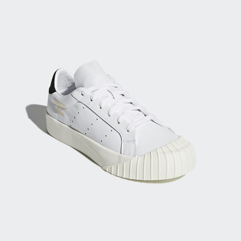 Everyn Schuh