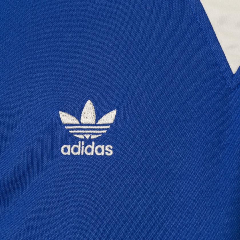[Imagen: Camiseta_Universidad_de_Chile_edicion_li...detail.jpg]