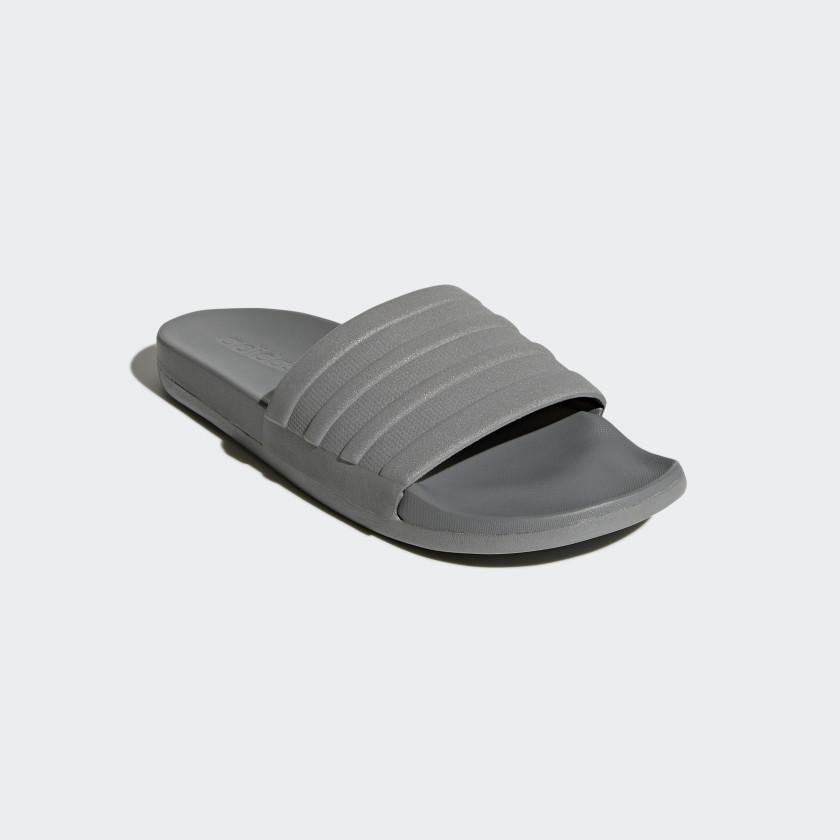 newest 9c133 447a0 adilette Cloudfoam Plus Mono Slipper