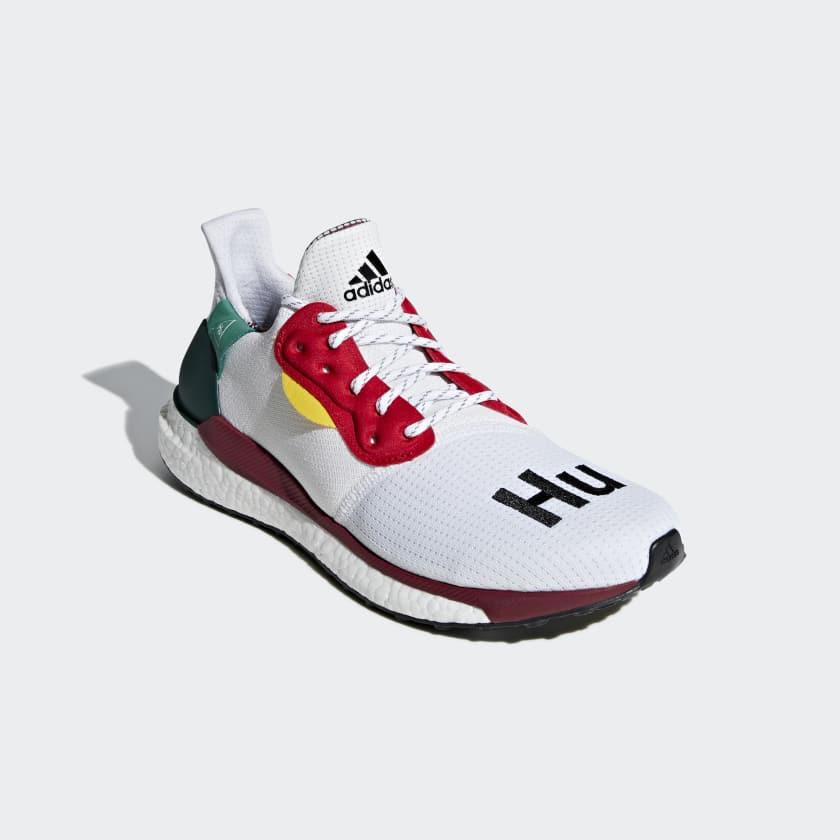 Zapatilla Pharrell Williams x adidas Solar Hu Glide