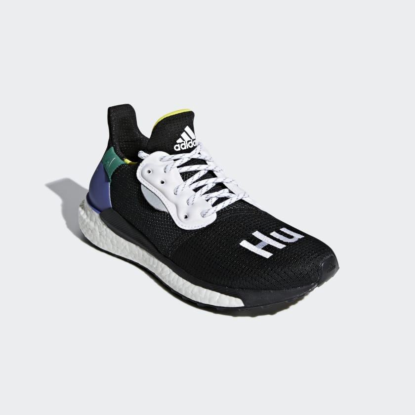 Chaussure Pharrell Williams x adidas Solar Hu Glide ST