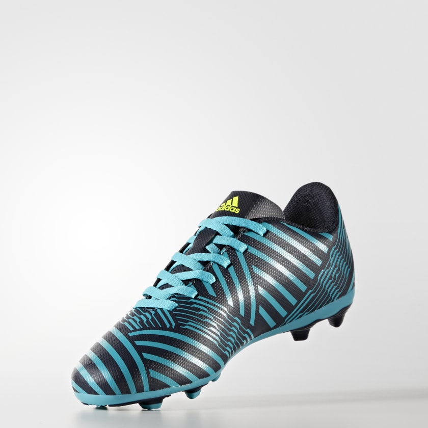 Guayos Nemeziz 17.4 Terreno Flexible