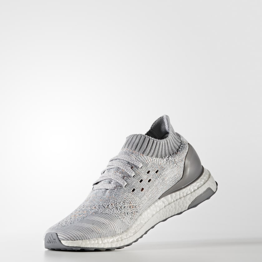 Built with ultracushioned boost the revolutionary midsole returns energy  from your footstrike to propel you forward A cagefree adidas Primeknit  upper