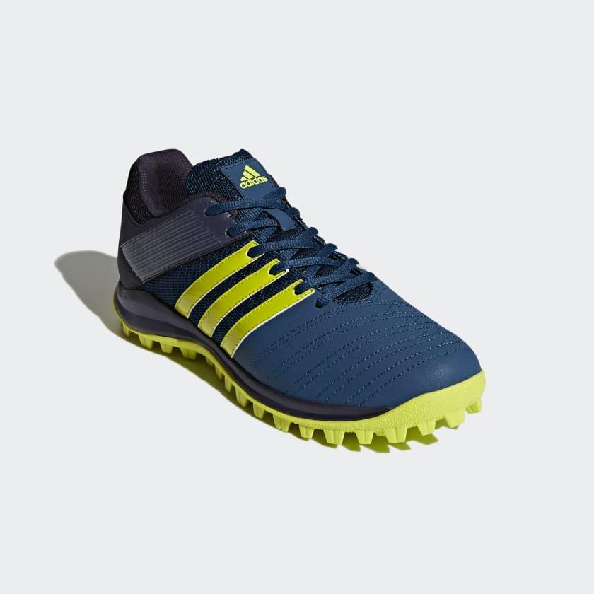 SRS.4 Schuh