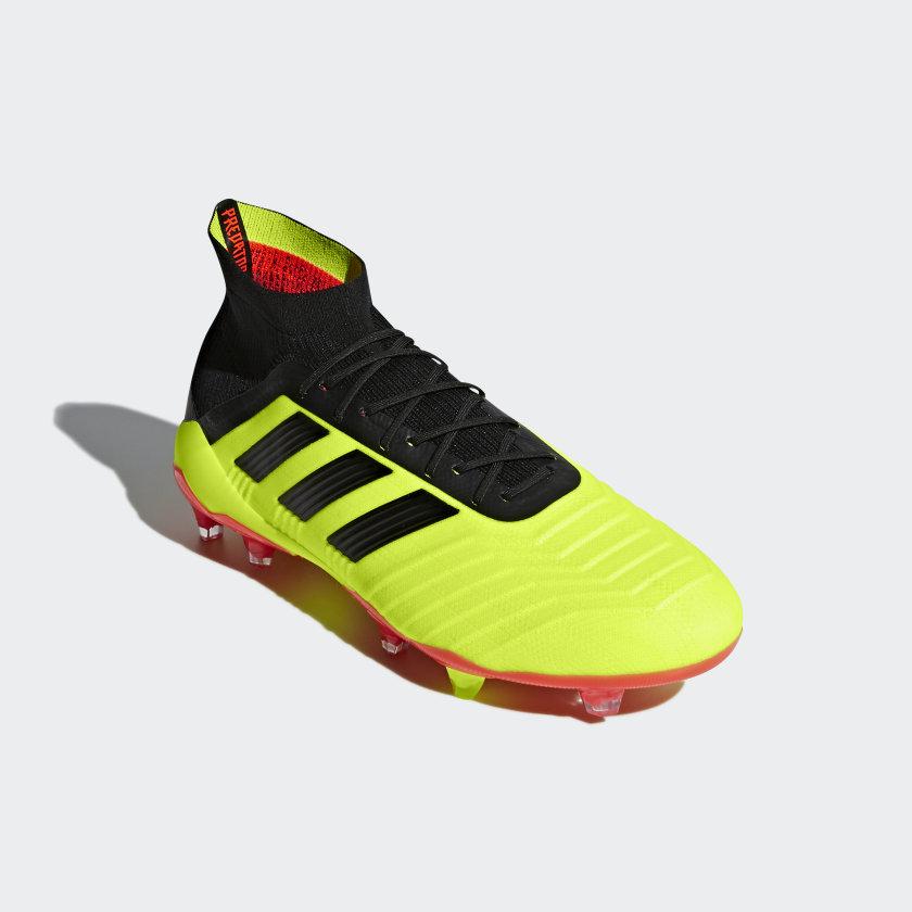 Chuteira Predator 18.1 Campo - Amarelo adidas  7dea0575739f3