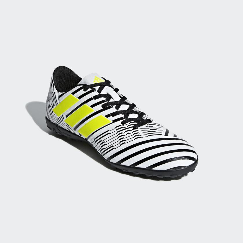 Calzado de Fútbol Nemeziz 17.4 Césped Artificial