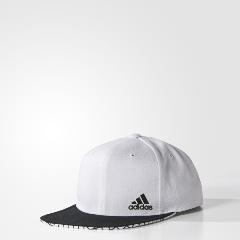 Boné Aba Reta Estampado - Branco adidas  b94316a0cba68