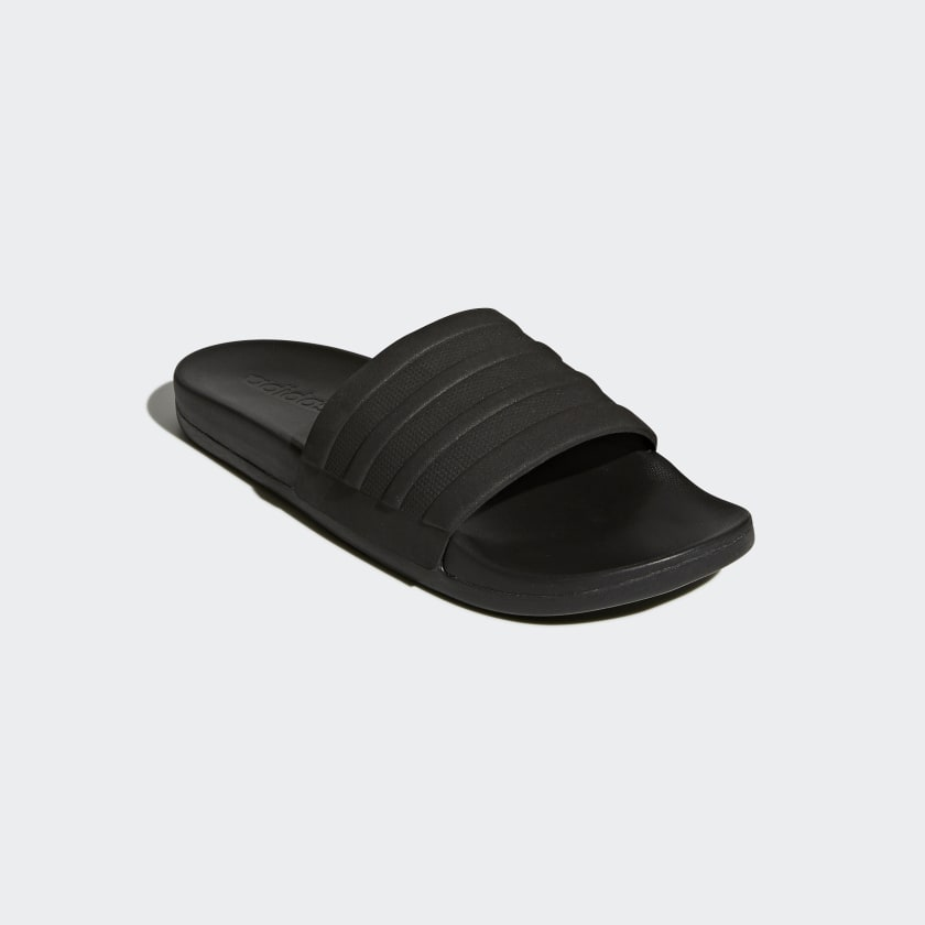 adilette Cloudfoam Plus Mono Slides
