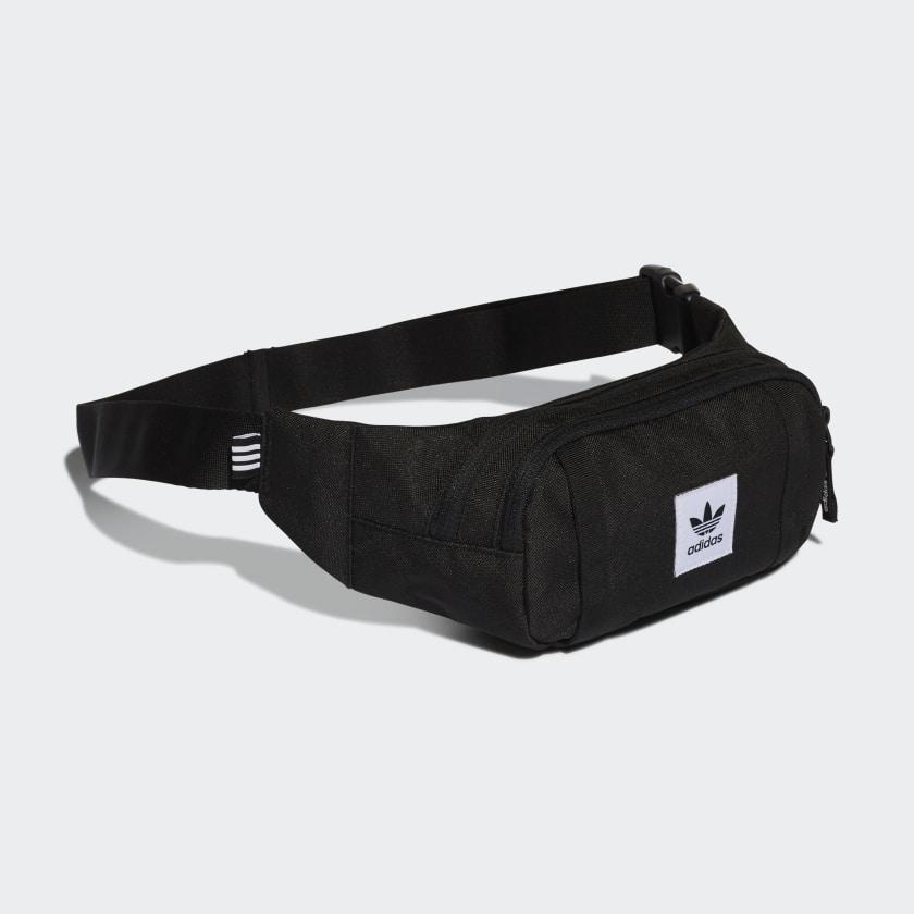 Premium Essentials Crossbody Tasche
