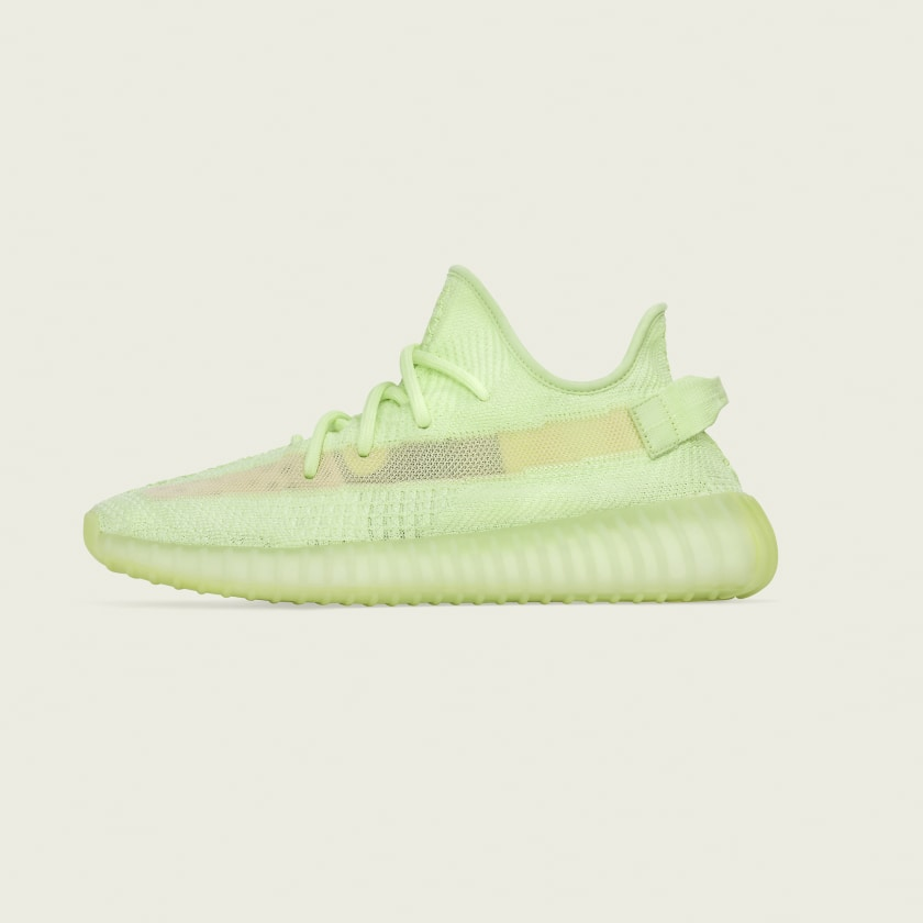 official photos e19bd 3fb2d YEEZY BOOST 350 V2 ADULTS